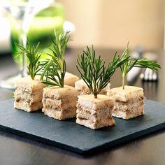 Découvrez la recette Mini-clubs sandwichs au thon sur cuisineactuelle.fr.