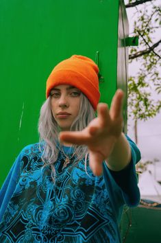 Billie eilish colourful orange beanie, blue t-shirt and green Billie Eilish, Aesthetic Header, Blue Aesthetic, Orange Beanie, Videos Instagram, Album Cover, Dibujos Cute, Wallpapers Android, Celebs