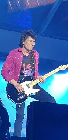 also from dc Ron Woods, Ronnie Wood, Rhythm And Blues, Rolling Stones, Rock, Stylish, Celebrities, Music, How To Wear