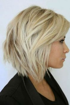 50 Short Messy Hairstyles for Fine Hair Nowadays it is all about natural beauty. If your hair is a mess, these 50 short messy hairstyles for fine hair 2019 will be your guide. I am pretty su. Angled Bob Hairstyles, Short Layered Haircuts, Short Hairstyles For Women, Messy Hairstyles, Straight Hairstyles, Bob Haircuts, Layered Bobs, Hairstyle Ideas, Everyday Hairstyles