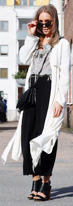 Zara White Long Spring Coat                                                                             Source