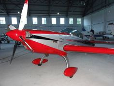2004 Extra 300 L for sale in Milano-Bresso, Italy => http://www.airplanemart.com/aircraft-for-sale/Single-Engine-Piston/2004-Extra-300-L/8902/