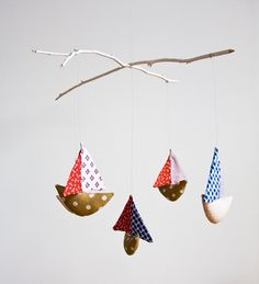 Handmade mobile with five patchwork boats #mobile #etsy