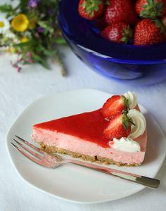 Ostekake med jordbær - krem.no