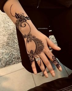Mehndi Design By Henna Tattoo Designs Simple, Finger Henna Designs, Arabic Henna Designs, Stylish Mehndi Designs, Mehndi Designs For Fingers, Wedding Mehndi Designs, Mehndi Design Pictures, Best Mehndi Designs, Beautiful Henna Designs