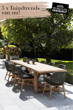Outdoor Tables And Chairs, Garden Table And Chairs, Outdoor Rooms, Patio Dining, Outdoor Dining, Outdoor Decor, Deck Furniture, Outdoor Furniture Sets, Outside Living
