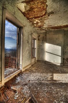 With a view like that, the house is worth every penny it takes to remodel. Abandoned Castles, Abandoned Buildings, Abandoned Places, Places To Travel, Places To Visit, Left Alone, Old Windows, Wabi Sabi, Ruin