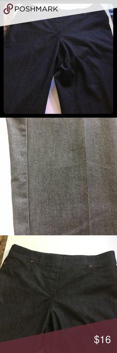 "Sag harbor Women's Petite Stretch Pants Sag Harbor Women's Stretch Jeans Petite Size 35.5"" long with Stretch waist band 75% cotton 23% polyester 2% spandex Sag Harbor Jeans Straight Leg"