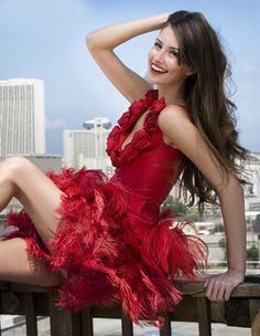Lady in Red Red Fashion, Colorful Fashion, Womens Fashion, Shades Of Red, Looks Cool, Lady In Red, Beautiful Dresses, Beautiful Life, Elegant Dresses