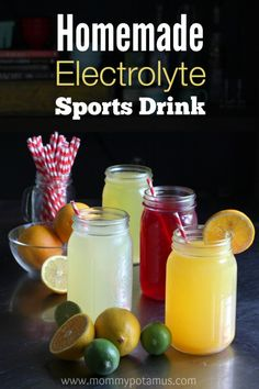 Homemade Electrolyte Sports Drink ~ Mommypotamus / These healthy homemade sports drinks support optimal hydration by replacing vital minerals and electrolytes. Refreshing Drinks, Yummy Drinks, Healthy Drinks, Healthy Snacks, Healthy Eating, Healthy Recipes, Juice Smoothie, Smoothie Drinks, Fruit Juice