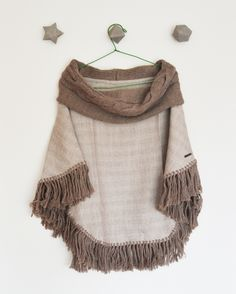 Ponchos Huamanga 100% baby alpaca www.urubamba.cl Baby Alpaca, Color Beige, Cl, Winter, Fashion, Fabrics, Tejidos, Winter Time, Moda