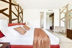 """Hotel Cadelach """"#tiglio"""" room. the #Linden room. The #Cadelach #Forest #rooms: 8 rooms which draw their inspiration directly from nature and the four elements. Project by #DanieleMenichini"""