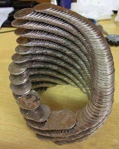 Here are 19 Oddly Satisfying Photos that will make your eyes more satisfied. Satisfying Photos, Oddly Satisfying Videos, Satisfying Things, Coin Design, Coin Art, Bored At Work, Looks Cool, Mind Blown, Amazing Art