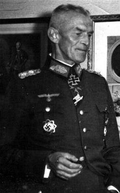 ✠ Siegfried Haenicke (8 September 1878 - 19 February 1946) Died in Soviet captivity at Lager Mühlberg on the Elbe. RK 17.09.1941 Generalleutnant z.V. Kdr 61. Inf.Div Pour le Merite: 14.06.1918 Hptm Btl-Kdr im IR 150