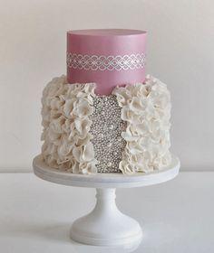 12 Glamorous Metallic Wedding Cakes ~ Coco Cakes | bellethemagazine.com