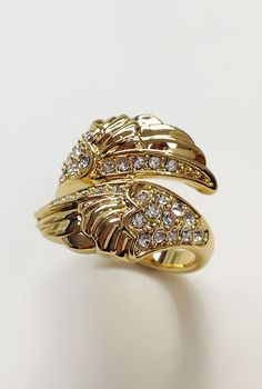 Feathers ring