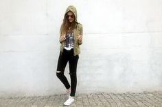 Zara Green Parka, Primark Take That Shirt, Zara Black Pants, Converse White Sneakers, Ray Ban Red Sunglasses