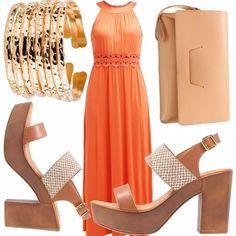 L' arancio, un colore solare e giovanile per questo vestito lungo, abbinato a sandali con zeppa color cuoio, borsa color crema, bracciale rigido oro. Un outfit adatto ai caldi pomeriggi estivi ma anche alle sere. Con un velo dorato di abbronzatura sarete perfette!