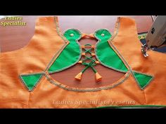 New Saree Blouse Designs, Patch Work Blouse Designs, Simple Blouse Designs, Stylish Blouse Design, Blouse Back Neck Designs, Baby Girl Dress Design, Churidar Neck Designs, Designer Blouse Patterns, Design Patterns