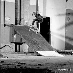Impossível ficar longe do skate quando se tem dois irmãos skatistas, Diego  Korn e David ef9b7b6328