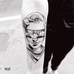 #sixo #tattoo #tatouage #paris #blackworker #blackwork #blacktattooart #blackworkerssubmission #fullmoon #head
