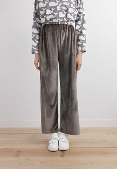 Wide-Legged Velvet Crop Trousers