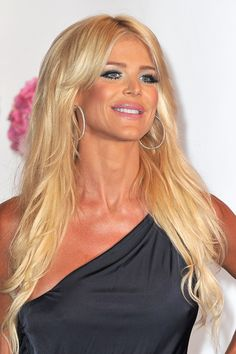 Risultati immagini per Victoria Silvstedt fetish Nordic Blonde, Male To Female Transgender, Amazon Beauty Products, Female Stars, Famous Women, Celebs, Celebrities, Trendy Hairstyles, Hair