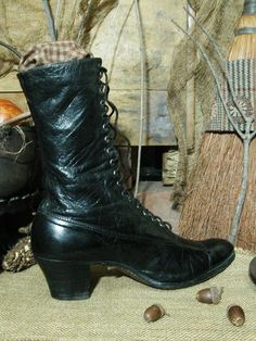 Victorian Ladies High Top boots