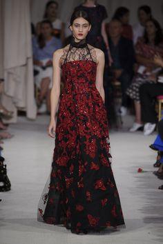 Evening gown by Oscar de la Renta @ New York Fashion Week Spring Summer '16 #fashionweek #oscardelarenta #rendezvousdelamode #couture #teadress #dress