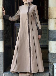 Hijab Fashion One of our favorite styles. So classy! Yusra Jilbab from SHUKR Islamic Clothing Hijab Fashion Sélection de looks tendances spécial voilées Look Descreption One of our favorite styles. So classy! Yusra Jilbab from SHUKR Islamic Clothing Hijab Fashion 2016, Abaya Fashion, Modest Fashion, Fashion Dresses, Muslim Dress, Hijab Dress, Hijab Outfit, Modest Dresses, Modest Outfits