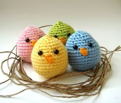 Crochet Easter Chicks, Easter Craft Ideas #2014 #easter #crafts www.loveitsomuch.com