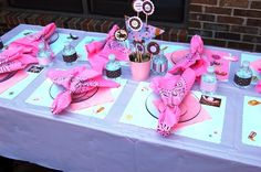 Cowgirl Party Ideas for Girls | ... design a cowgirl horse party for her little girl who was turning 3