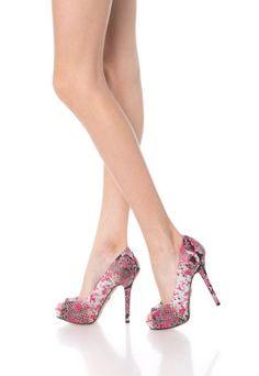 Pantofi Guess dama eleganti decupati la varf cu toc stiletto Stiletto Heels, Casual, Shoes, Fashion, Moda, Zapatos, Shoes Outlet, Fashion Styles, Shoe