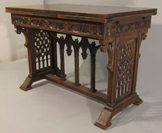 5209-gothic-table