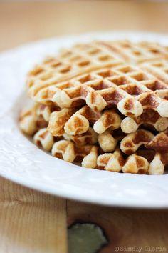 Vanilla Greek Yogurt Waffles