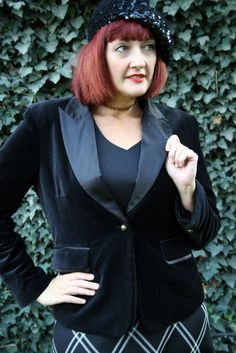 Black velvet plus size tuxedo blazer~ the perfect evening out accessory!