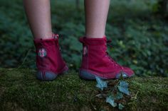 Wildling Shoes Red Riding Hood - Minimalist shoes for kids and adults, water resistant ankle boots, lined for warmth Minimalist Dresses, Minimalist Wardrobe, Kids Barefoot Shoes, Minimal Shoes, Kayak Accessories, Water Shoes, Red Riding Hood, Girly Things, Girly Stuff