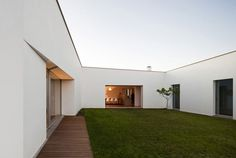 Simple courtyard
