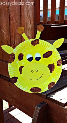 Paper Plate Giraffe craft for kids! #DIY #Zoo animals #Giraffe art project | http://www.sassydealz.com/2014/02/giraffe-paper-plate-craft-kids.html