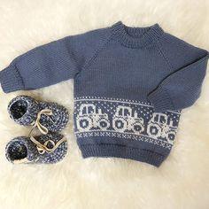 Billedresultat for mariusgenser med traktor oppskrift - That's It Baby Knitting Patterns, Baby Sweater Knitting Pattern, Baby Hats Knitting, Mittens Pattern, Knitting For Kids, Knitting Designs, Boys Sweaters, Baby Cardigan, Cute Outfits For Kids