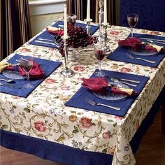 31 Trendy Ideas Kitchen Table Centerpiece With Placemats Table Runner And Placemats, Table Runners, Decoration Table, Table Centerpieces, Shabby, Mantel Redondo, Travel Crafts, Sewing Table, Mug Rugs
