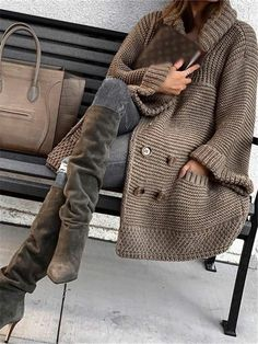 Loose solid color knit cardigan Loose solid color knit cardigan – Zobrain Record of Knitting Yarn rotating, weaving and stitching jobs such as BC. Dress With Cardigan, Sweater Cardigan, Cardigan Fashion, Cardigan En Maille, Mode Outfits, Pulls, Winter Outfits, Summer Outfits, Winter Fashion