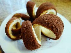 Kurtoszkaacz Węgierski czekoladowy - Takie rzeczy Tylko w ciastkarnia Gdańsk ! Byłam zjadłam - jest smacznie ! Ciastka sprzedawane na ciepło i na zimno - jak kto lubi ;-)) Ja uwielbiam na ciepło !!! http://www.ciastkarniachimneycake.pl