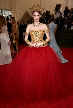 Karen Elson in Dolce & Gabbana Couture | Met Gala 2015 red carpet pictures | Met Ball fashion - Costume Institute Gala | Harper's Bazaar