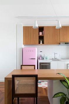Decorando com a Si : Cozinhas gostosas Cama Murphy, Corner Desk, Kitchen, House, Furniture, Home Decor, Decoration, Sweet, Tips