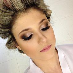 """""""Maquiagem por Cleber Azevedo...noiva:Mariane #maquiagem #makeup #cleberazevedo #noiva #casamento"""""""