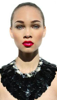 Beauty shot of model Amanda Hill (FACTOR Atlanta) wearing a necklace by GOTROXX shot by SHAMAYIM