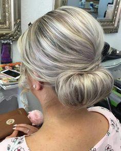 Frisuren der Mutter der Braut: 25 elegante Looks für Sporty Hairstyles, Mom Hairstyles, Wedding Hairstyles For Long Hair, Mother Of The Bride Hairstyles, Elegant Hairstyles, Short Hair, Blond, Medium Hair Styles, Long Hair Styles
