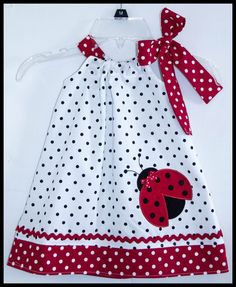 This listing is for the super cute lady bug applique dress. The dress is a pillowcase style with a side bow and was made with a white and Pretty Classic Little Lady bug applique by LilBitofWhimsyCoutur Toddler Dress, Toddler Outfits, Baby Outfits, Kids Outfits, Little Dresses, Little Girl Dresses, Baby Dress Patterns, Sewing Kids Clothes, Applique Dress