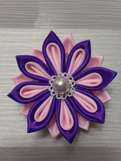 Pink&purple kanzashi flower hair clip by Flowersontop on Etsy Diy Lace Ribbon Flowers, Ribbon Flower Tutorial, Kanzashi Flowers, Ribbon Art, Diy Ribbon, Ribbon Crafts, Flower Crafts, Ribbon Bows, Fabric Flowers